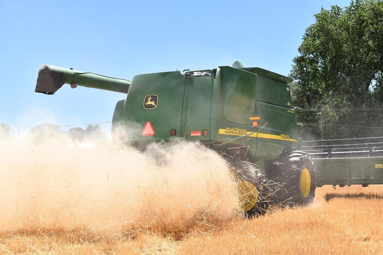 maquina agricola cosechadora