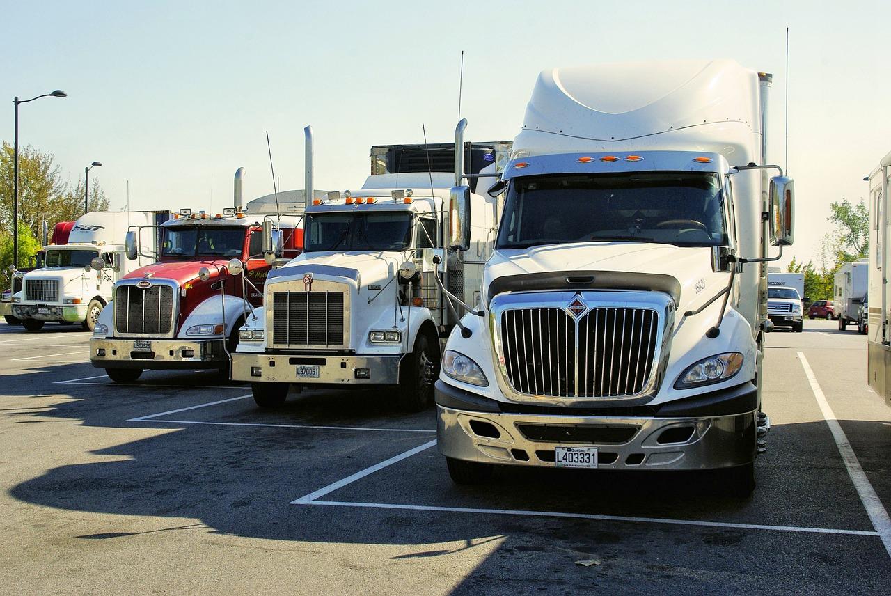 Trucks and Trailers-maquinaria-construccion-agricola-industrial-heavy-equipment-zona-pesada-latinoamerica-usa
