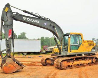 Excavator-crawler-2006-Volvo-EC210-LC-bruce equipment-maquinarias-repuestos- accesorios-zonapesada-promocion-compra-venta-latam-usa