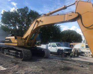 Excavadora Oruga grande -maquinarias-construccion-zonapesada-USA